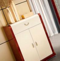 Стилен шкаф за трапезария 190/50/76см