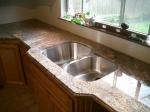 Заоблени мраморни кухненски плотове