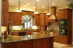 Заоблен мраморен кухненски плот